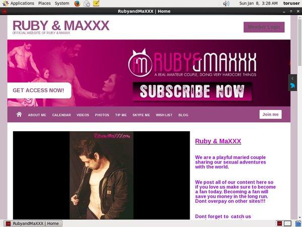 Rubyandmaxxx.modelcentro.com Free Galleries